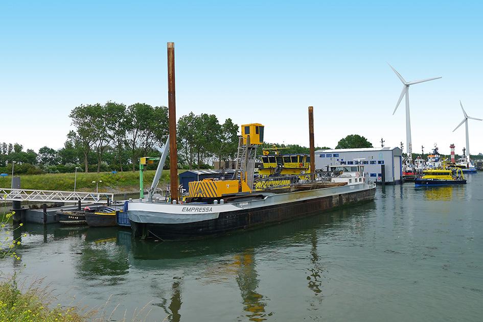 Baggerschiff Empressa