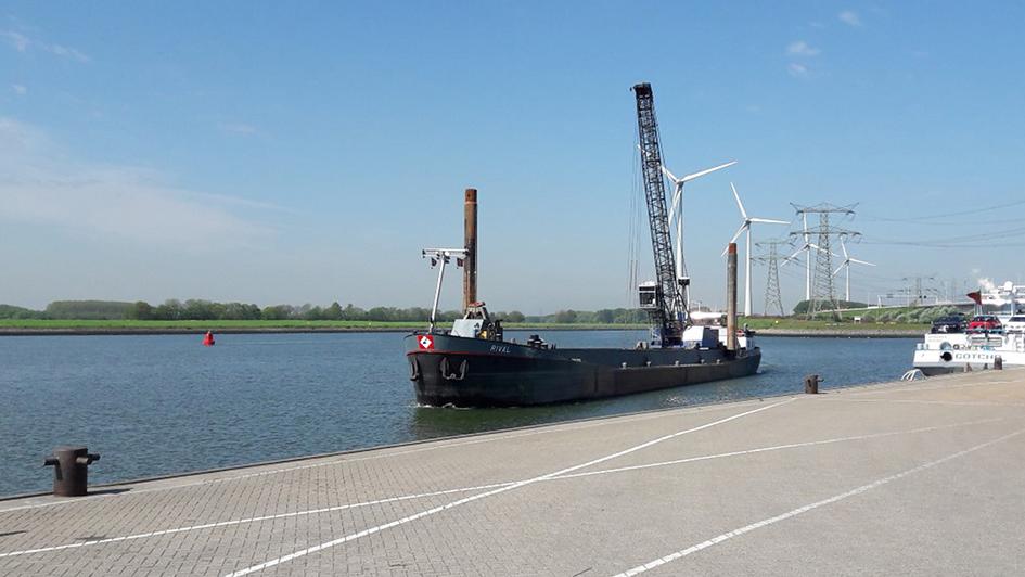Baggerschiff Rival